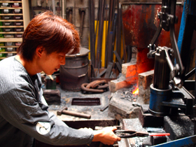KANETAKA (The scene where Yoshitaka Yamada is manufacturing Japanese razor )